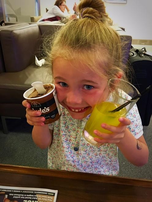 lounge-ice-cream